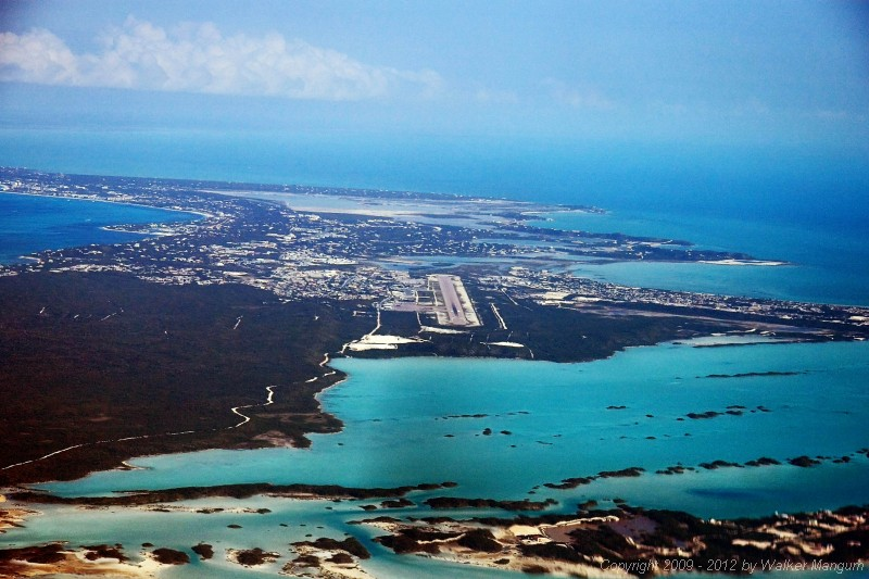 Turning final for runway 10 at Providenciales (MBPV).